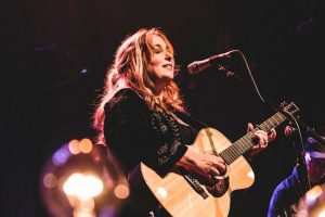 Gretchen Peters Returns May 2018
